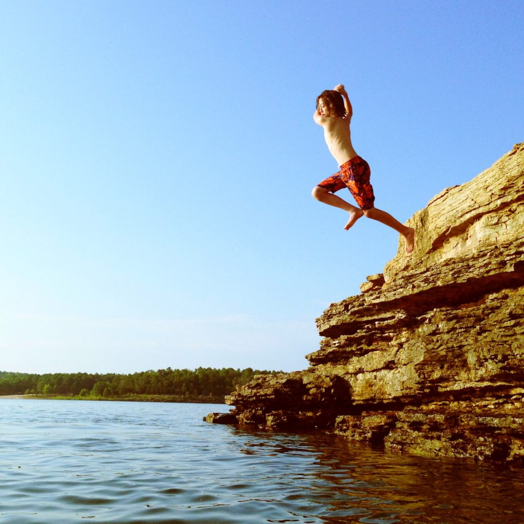 Greers Ferry Cliff Jumping