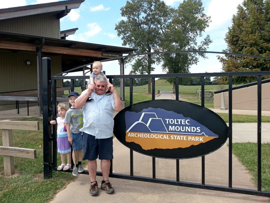 toltec-mounds-state-park-family-entrance