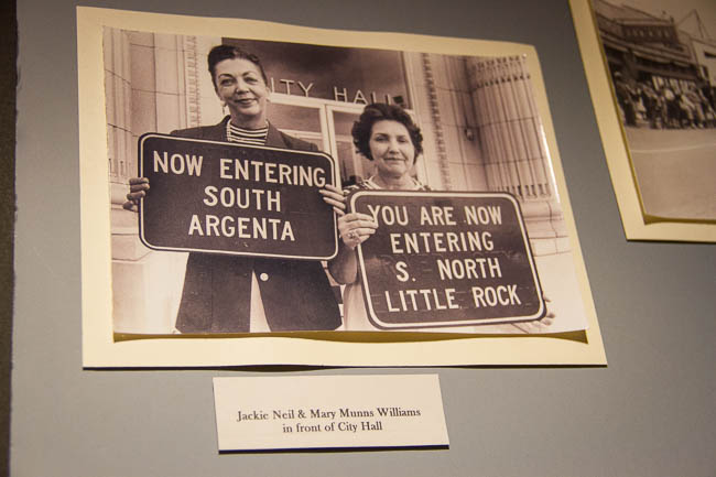 North Little Rock - South Argenta highway signs