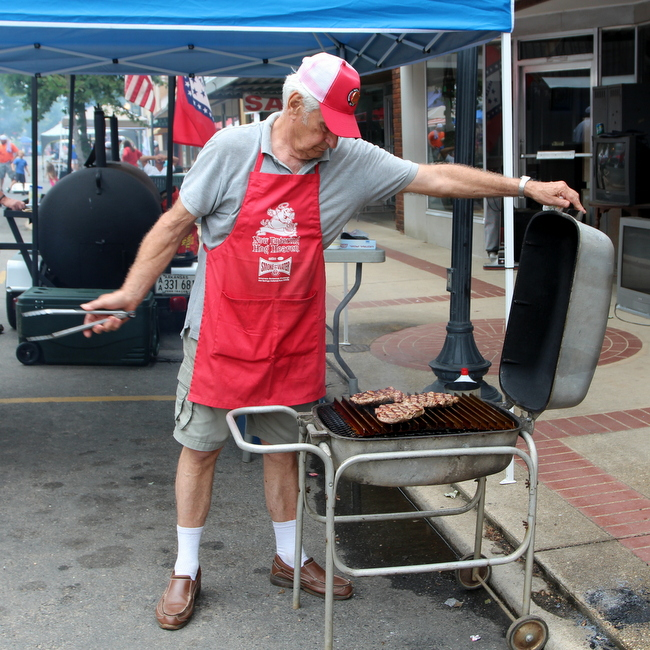 Steak cookoff competitor with PK Grill