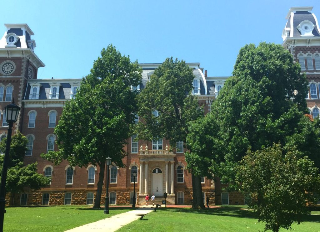 U Of Arkansas >> The History Of Old Main Only In Arkansas