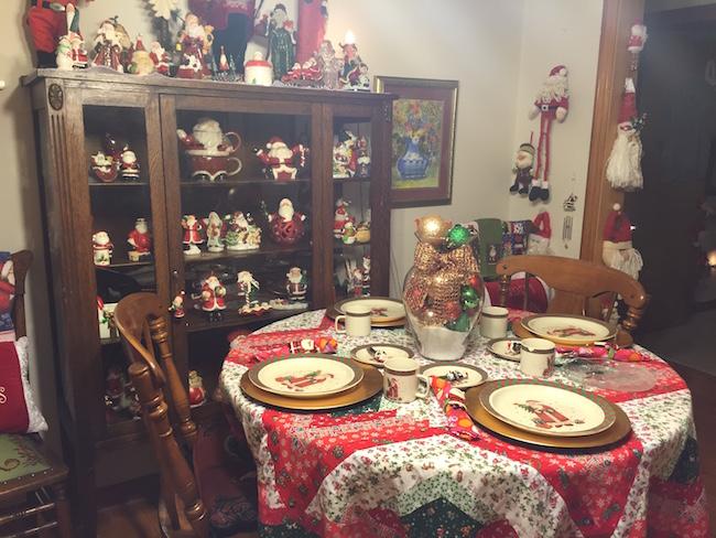 Santa Lady Kitchen