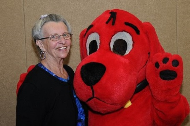 Ginny With Clifford 10