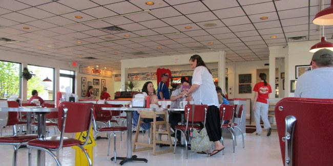 2 Conway Davids Burgers by Kat Robinson interior