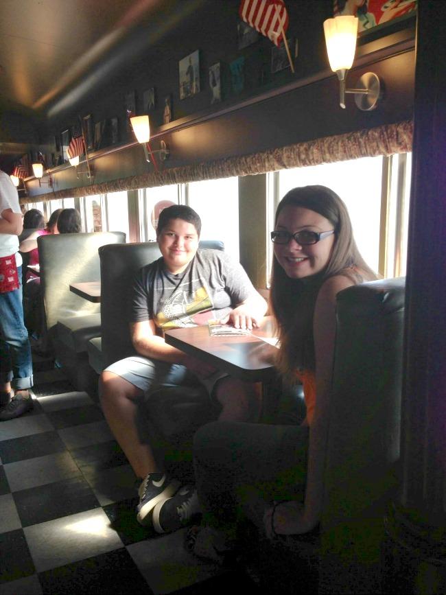 train-car-diner