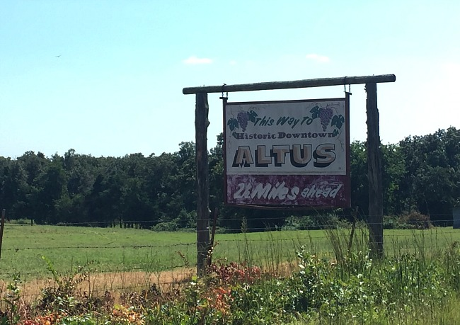 arkansas-wine-trail-historic-downtown-altus