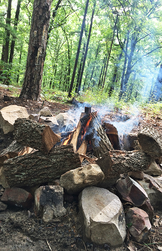 campfire-in-the-mountains