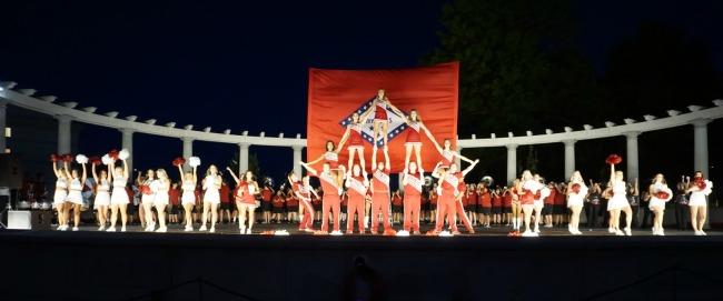 spirit-squad-greek-theater