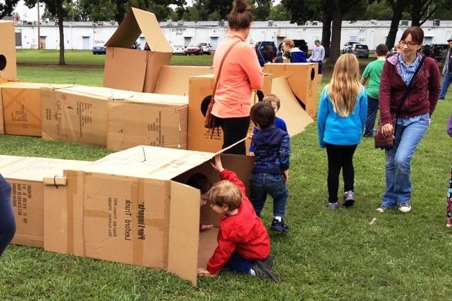 ecofest-cardboard-box-maze