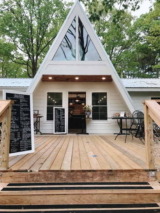 20 Unique Arkansas Airbnbs