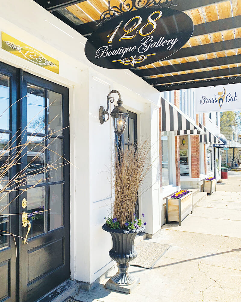 Downtown Hardy, Arkansas 128 Boutique Gallery